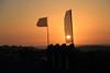 sunspots (Rasande Tyskar) Tags: fuerteventura kanaren kanarischeinseln canaryislands canarias islas sun sonne sunset sonnenuntergang sillouette silhouette flags banner waver flaggen