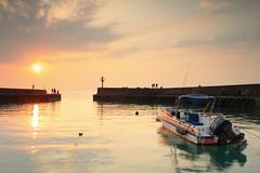 漁港夕陽 (Lavender0302) Tags: 夕陽 六塊厝 屯山 淡水 新北市 台灣 taiwan sunset