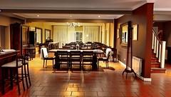 Too early for dinner (Raúl Alejandro Rodríguez) Tags: posada inn hotel restaurant mesas tables sillas chairs escalera stairs la protegida tandil provincia de buenos aires province argentina