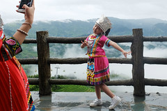 Posing (m-blacks) Tags: china cina travel vacation summer august holiday green nature landscape terraces rice canon guanxi longsheng longji lóngjtītián clouds selfie child colorful photo