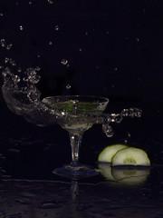 Cocktail Splash (minminatmidnight) Tags: fujifilmfinepixs100fs water wasser splash spritzer frisch fresh moment freeze einfrieren bewegung motion glas glass tropfen drops droplets spritzen wassertropfen wasserspritzer cocktail cucumber gurke salatgurke