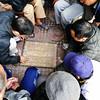 Hanoï – Street scene  – Chess game (Le.Patou) Tags: vietnam hanoï street rue streetscape chess game chessgame échecs trottoir sidewalk scènederue streetview streetscene communauté amitié community friendship