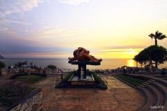 El sol se  pone en el beso (Gaby Fil Φ) Tags: miraflores miraflorino parquedelamormiraflores lima puestadesol sunset atardecer ocasos oceánopacífico perú sudamérica capitalesdesudamérica capitalesdelmundo capitaleslatinoamericanas latinoamérica esculturas víctordelfín parques maleconesdemiraflores