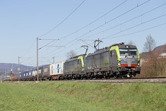Double-headed Vectron (daveymills37886) Tags: bls re 475 414 410 sissach baureihe cargo siemens vectron