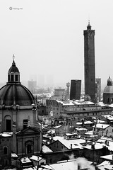 This is the city I love! (fabiog86) Tags: bologna bulaggna snow neve snowing cold winter bw blackandwhite cityview topview towers asinellitower torredegliasinelli asinelli garisenda church chiesa fog foggy nebbia misty foggyday city canon 50mm 50mmlens canoneos60d italia italy emiliaromagna italian fabiog