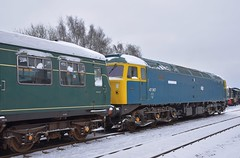 Loco 47367 being prepared for the Driver Experience run at Dereham, what a great day for it too. Miid Norfolk Railway Spring Diesel Gala 18 03 2018 (pnb511) Tags: mnr midnorfolkrailway train engine loco locomotive diesel dmu dieselmultipleunit railcar class101 trains engines locos locomotives diesels class47 snow track icicles