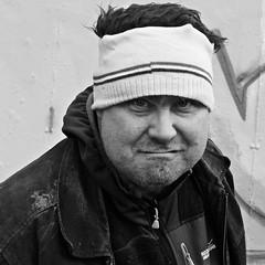 WAG (Akbar Simonse) Tags: denhaag thehague agga haag lahaye sgravenhage holland netherlands nederland people man wag portrait portret streetphotography straatfotografie vierkant square zwartwit bw blancoynegro bn monochrome graffitiartist