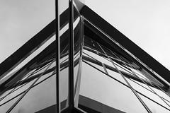 monde parallèle (Rudy Pilarski) Tags: architecture architectura abstract nikon nb bw monochrome verre moderne modern reflet reflection reflexion immeuble structure grateciel building skyscraper paris france tamron d7100 2470 city ciudad vitre abstrait géométrie geometry geometria angle