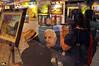 Galeria (Otacílio Rodrigues) Tags: galeria gallery pintor painter pessoas people pinturas paintings retrato portrait molduras frames arte art artista artist cabo frio shopping parklagos brasil oro supershot