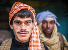 india - varanasi (mauriziopeddis) Tags: india varanasi portrait ritratto people tribe tribal hindu indian induismo face viso reportage cultural canon gange ganga river fiume