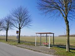 Waiting. (Simon Oud) Tags: waiting oostgroningen sculpture simonoud landschap