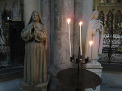 Devotion or eye roll? Female saints' statues and candles, Bordeaux Cathedral, France (Paul McClure DC) Tags: bordeaux france gironde july2017 nouvelleaquitaine historic architecture cathedral sculpture female statue
