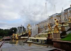 PETRODVORETZ - Russia (cannuccia) Tags: paesaggi landscape russia petrodvoretz ville fontane oro statue sculture acqua