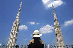 milan (Roberto.Trombetta) Tags: italy italia long black hair hat piazza cattedrale square madonnina cappello tourist turista sony 7rii zeiss carlzeiss sony7rii batis 25 woman girl amazing view beautiful wonderful stunning fineart fine art summer estate batis225 model fashion people 7rm2 allaperto clouds erba cielo milano milan duomo dome basilica statue sunny tetto from above cima top simmetry