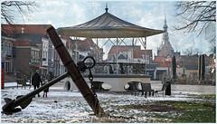 Havenplein, Zierikzee, Schouwen-Duiveland, Zeelande, Nederland (claude lina) Tags: claudelina nederland hollande paysbas zeeland zierikzee zeelande kiosque ancre