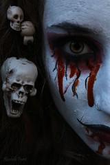 Halloween (Rachele99) Tags: halloween makeup triller trucco maschera mask themask blood red sangue rosso redblood vein vene eyes eye occhi occhio skun scheletro teschio wood