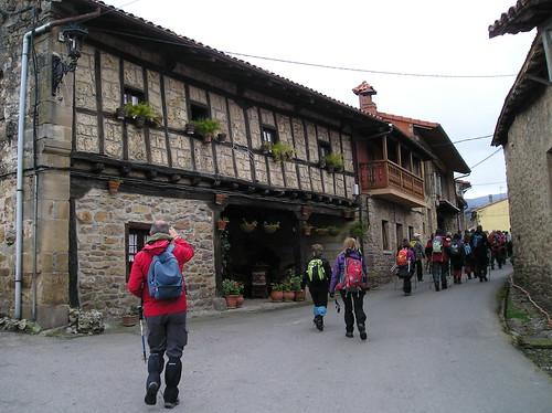Marcha Senderismo Barbara Barcena Pie De Concha Cantabria Fotografia Javi Cille (25)