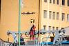 Captura del rollo con el primer cable sobre el techo de la estación Plaza Camacho... (Max Glaser) Tags: cablecar teleferico dron bolivia lapaz southamerica gondola ropeway urbantransport transportation