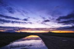 Valle de Alcudia (PilaReina) Tags: landscape paisaje paisajes naturaleza nature cielo sky colors blue sunset reflection reflejo water rain lluvia