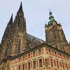 O mais impressionante no Castelo de Praga é a união de diferentes estilos de arquitetura coexistindo de forma harmoniosa! #ficadica sociedade! (jpcamolez) Tags: o mais impressionante no castelo de praga é união diferentes estilos arquitetura coexistindo forma harmoniosa ficadica sociedade