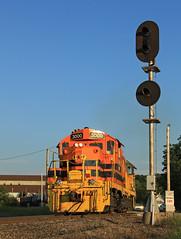 Beginning of the Meteor (GLC 392) Tags: co signal swing bridge marquette rail railroad railway train manistee meteor mi michigan mqt tzpr tazewell peoria 3000 emd gp10 gp382 2008 golden hour sun