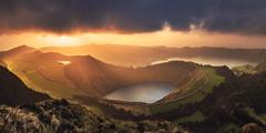 Azores - Sete Cidades Panorama (030mm-photography) Tags: rot azores azoren reise travel portugal saomiguel setecidades landscape landschaft nature natur panorama sunset sonnenuntergang green fields grün wiese sun sonne light licht