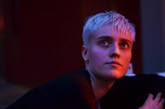 Julia (l_rebekka) Tags: portrait light face wall people köln cologne colorful playful blue red hair blau rot gesicht two
