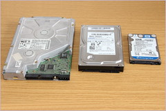 HDDs in size comparison (gynti_46) Tags: computer pc hdd ssd m2 festplatte harddiskk speicher memory m2festplatte m2disk quantum 6480at bigfoot cy525series ide harddrive