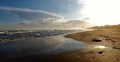 Hors saison : la plage de Valras. (France) (Gérard Farenc (slowly back) !) Tags: valrasplage littoral mer sea plage ciel sky nuages waves sable sand eau water occitanie france village beach europe blue bleu