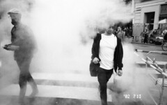 (David Chee) Tags: ricoh gr1v gr1 kodak trix 400 hc110 newyork nyc manhattan union square broadway 17th street smoke film analog blackandwhite bw