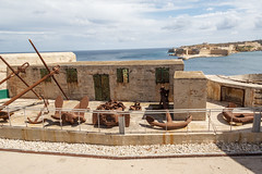 IMG_5666 Anchors at Fort St. Elmo (Beth Hartle Photographs2013) Tags: malta gozo mediterranean island spring historic architecture valletta capitalcityofmata knightsofstjohn fortstelmo walls battlements historicbuildings anchors