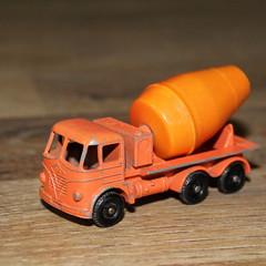 Matchbox Foden cement mixer truck, no. 26 B (Davydutchy) Tags: matchbox lesney moko foden cement mixer truck lorry vrachtwagen betonmolen lkw orange boy toy jouet speelgoedauto speelgoed spielzeug auto vehicle beton april 2018
