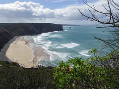 Little Paradise Part2 (52er Bild) Tags: portugal costavicentina udosteinkamp 52erbild coast bucht wellen bay cove ocean atlantic pentax q10 q wolken clouds himmel erde wasser arrifana beach