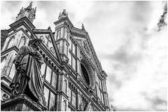 7DWF -  B&W  ...  il ghibellin fuggiasco ... (miriam ulivi) Tags: miriamulivi nikond3200 italia toscana firenze piazzasantacroce basilicadisantacroce statuadidantealighieri bn bw architecture cielo sky nuvole clouds