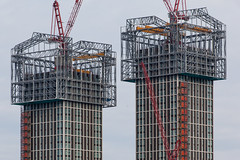 Novel construction (Gary Kinsman) Tags: london eastlondon queenelizabetholympicpark olympicpark e20 canoneos5dmarkii canon5dmkii stratford architecture tower highrise 2018 canon70300mm telephoto zoom compression construction crane apartments wealth inequality novel towerblocks eastvillage frames steel verticaldepositboxes cranes overcast clouds grey