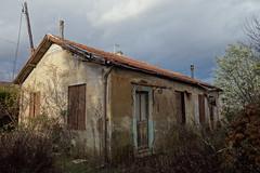 """Maison Pochtron (""""La vadrouille dominicale"""") Tags: urbex demoli depuis maison petite little house decay exploration explo environs lyon rurbex rurex rural rhone alpes abandon abandoned"""