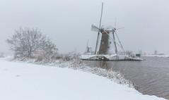 Snowy days in Kinderdijk. (Wim Boon Fotografie) Tags: wimboon canoneos5dmarkiii canonef2470mmf28liiusm winter sneeuw sneeuwinkinderdijk unescoworldheritage holland nederland netherlands