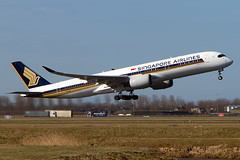 9V-SMI, Airbus A350-941, Singapore Airlines (Freek Blokzijl) Tags: singaporeairlines airbusa350 a350941 departure takeoff rotation vertrek zwanenburgbaan changi sunny amsterdamairport schiphol eham planespotting vliegtuigspotten canon eos7d airbus à350