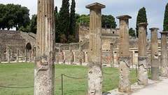 Pompeii - Campania - Italy (Been Around) Tags: pompeii italia ita eu campania pompei italy europe europa ancientcityofpompeii beenaround kampanien italien mittelmeer column colums säulen römer roman romantown vesuv vesuvius mountvesuvius