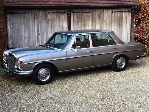 Mercedes 300 SEL 6.3 (1969).