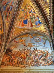 The Damned and The Prophets (█ Slices of Light █▀ ▀ ▀) Tags: prophets damned hell painting paintings frescoes fresco 盧卡 西諾萊利 luca signorelli chapel cappella san brizio duomo orvieto 奥尔维耶托 主教座堂 cathedral 座堂 church interior catholic italia 意大利 italy olympus em1