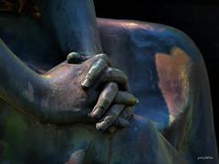 (plitch) Tags: plitchphotostream plitch statue sculpture hands bellu cemetery bucharest romania