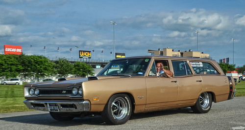 1969 Dodge Coronet Wagon