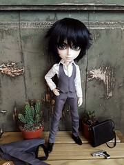 Zack Bradley in Portobello (Lunalila1) Tags: doll groove taeyang band nightmare music japan handmade outfit suit male costura sexy requiem art designs pattern 16 scale sakito