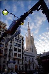 Coincidencia en la mirada (mariadoloresacero) Tags: acero mdacero iglesia urbana ilca68 sony capital city ville ciudad urbaine madrid españa