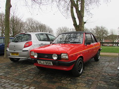 Ford Fiesta 1300S Fly VLJ30X (Andrew 2.8i) Tags: queen queens square bristol breakfast club show meet car cars classic ford fiesta 13s 1300s 13 1300 sport crayford fly hot hatch hatchback british convertible cabriolet uk unitedkingdom