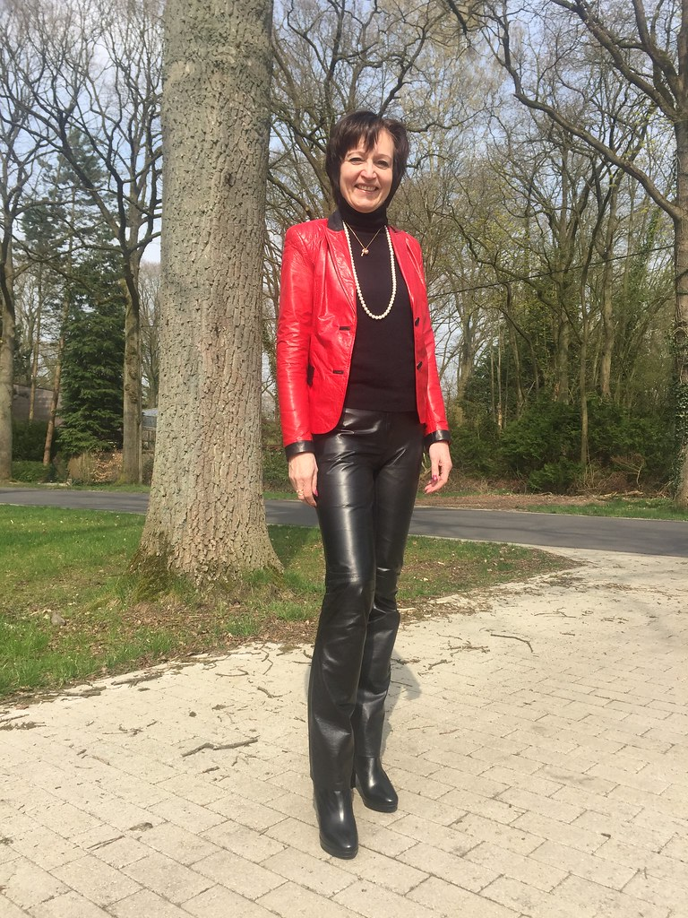 Mature women leather pants