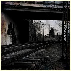 Tracks - Gleise (b_kohnert) Tags: railway digitalart digitalpainting blackandwhite