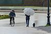Gli anni passano ma... (Zaporogo) Tags: lucca mura ciclista ombrello