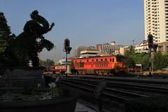 I_B_IMG_9215 (florian_grupp) Tags: southeast asia thailand siam thai train railway railroad srt staterailwayofthailand metregauge metergauge bangkok krungthep station mainstation hualumpong hualamphong diesel loco locomotive alsthom krupp ge generalelectric